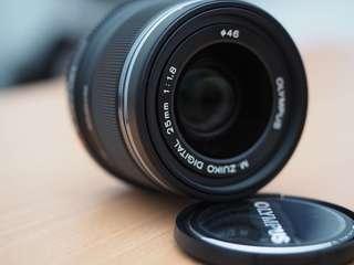M.zuiko 25mm f1.8 prime lens