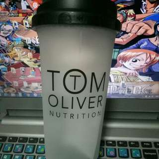 TOM OLIVER NUTRITION MEAL REPLACEMENT SHAKER 700ML