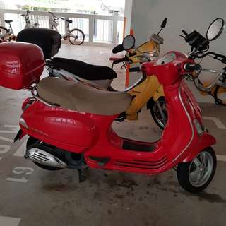 2013 FBH LX150 Vespa. NEW REDUCED PRICE !!