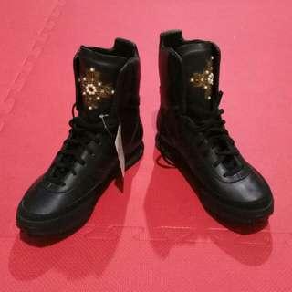 Adidas Jeremy Scott Cross Combat