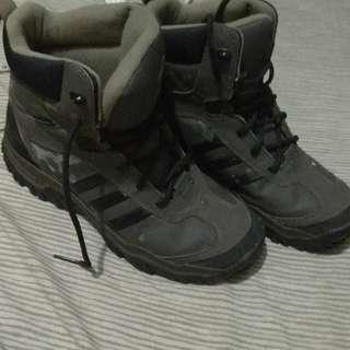 Sepatu Hiking Adidas Climawarm US9