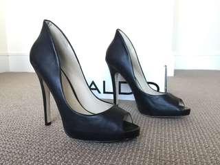 Aldo size 38 peep toe heel
