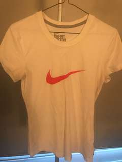 Nike Dry Fit Work out top - Size small