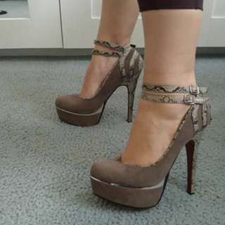 Grey, snakeskin- detailed high heels