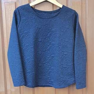 Sweater Hitam Motif Bunga