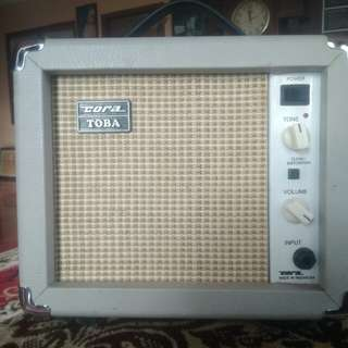 Amplifier Cora Toba