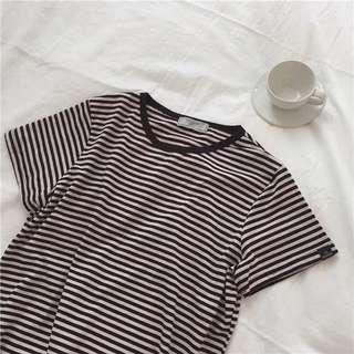 黑粉條紋短袖Tee