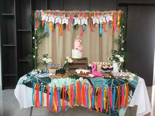 TROPICAL HAWAIIAN DESSERT TABLE SETUP