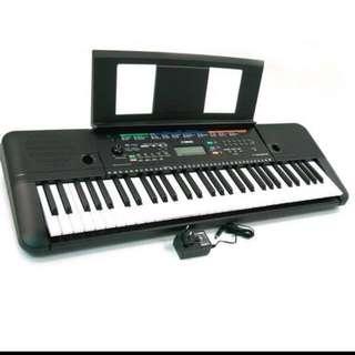 Yamaha keyboard PSR E253 used