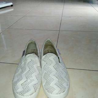 Sepatu brukat North star