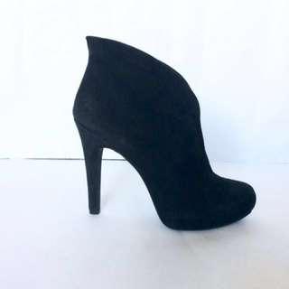 JESSICA SIMPSON black suede ankle bootie 7.5