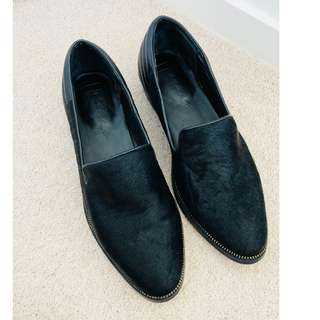 Elegant Black Loafers Cow Hide Almost like new size 40