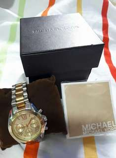 Michael Kors Luxury Watch with free MK bracelet for only PHP7,000.00