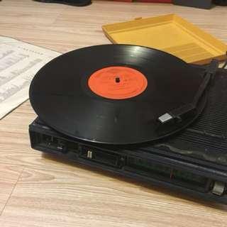 日本Sanyo 黑膠播放器 收音機