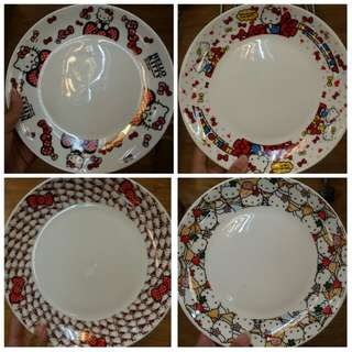 Hello kitty plates 😊😊😊