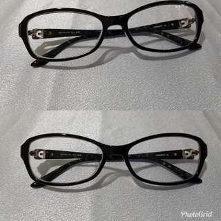 Kacamata minus merk levis