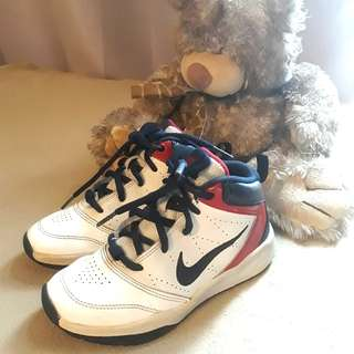Nike Basketball Shoes (size US 11c / 1Y)