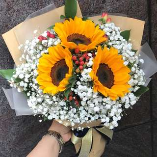 3 sunflowers Baby Breath Hypericum Bouquet