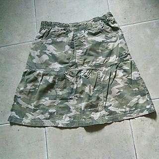 Uniqlo Girl Camo Print Girl's Skirt (Size XL)