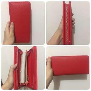 Dompet merah no merk
