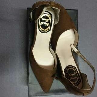 Brand new Suede Heels