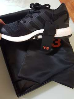 Y3 ultra boost size 9us.