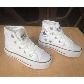 Converse high kids / sepatu jalan jalan / sepatu running / sneakers