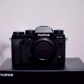 X-T2 (black)