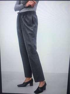 Never been worn Aritzia JIMMY PANT in XXS