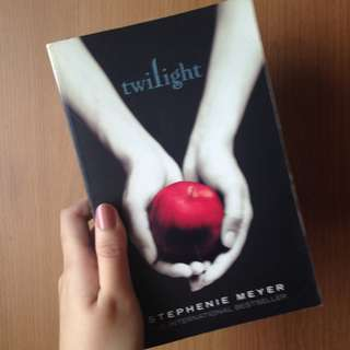 Twilight: Twilight Saga | Stephanie Meyer