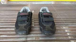Sepatu mc queen black