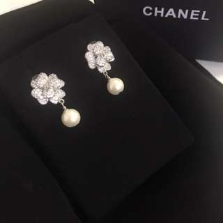 Chanel earrings VIP gift (new)