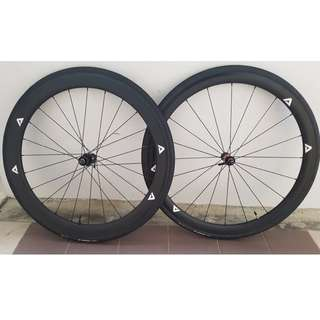 DT240s hub carbon wheel