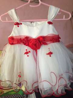Pre love baby dress, used once, VGC