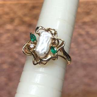 14kt biwa pearl emerald diamond ring
