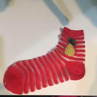 🚚 全新條紋 紅 黃 襪子$60/1雙