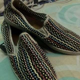 Rivieras shoes slipper masih mulus banget,dijual karna kurang cocok..bisa nego