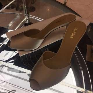 意大利高級品牌La Perla Shoes