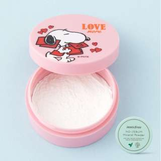 innisfree x SNOOPY no sebum mineral powder LOVE MORE