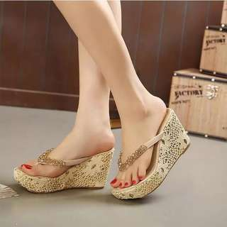 Korean version of the sexy wedge sandals thick bottom non-slip beach sandals water drill loose sponge flip-flops