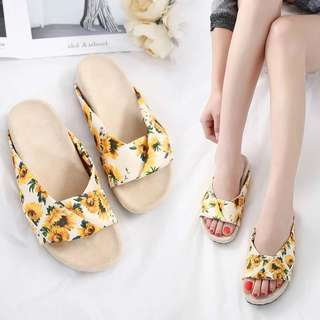 2018 New Beach Flat Non-slip sun flowers Printed Slippers Shoes