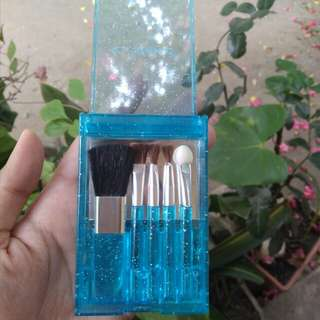 Kuas set mini makeup