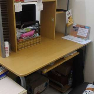 Meja admin kantor