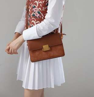 [PO]Classic suede detailed cross body sling bag in brown