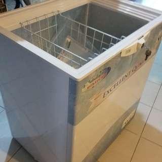 Freezer (lemari pembeku) Daimitsu