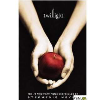 TWILIGHT SERIES BY STEPHANIE MEYER: NEW MOON & TWILIGHT