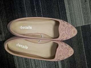 Sepatu flat by Details