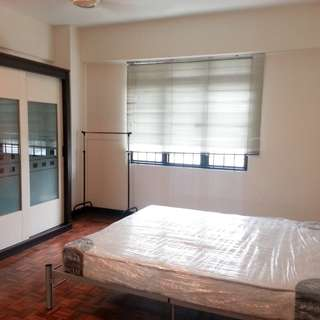 Masters room for rent, bedspace can also