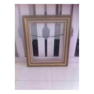 Frame Photo kayu diameter 65x55 cm