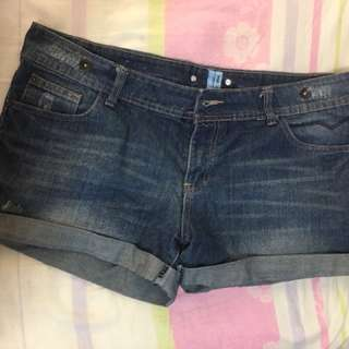 NEW LOOK DENIM SHORTS UK16
